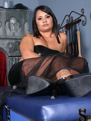 Threatening to never show her feet to her foot slave ever again unless he gets th....